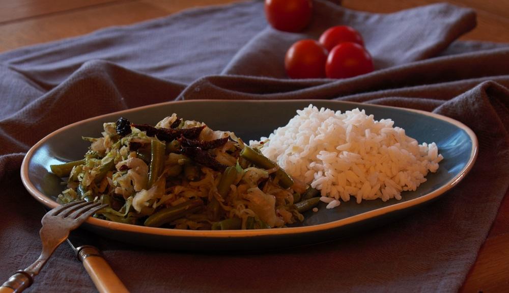 Spitskool sperziebonen wok