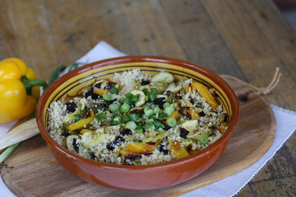 Couscous salade met courgette en paprika