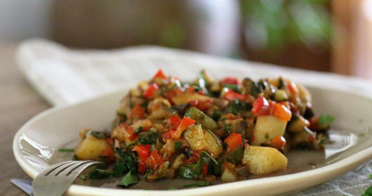 Mediterrane groenten aardappel pannetje