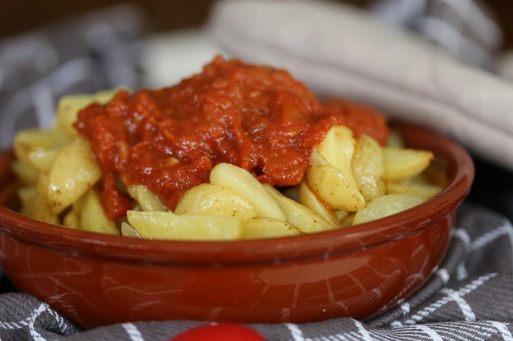 Patatas bravas, mag niet ontbreken op je tapas etentje