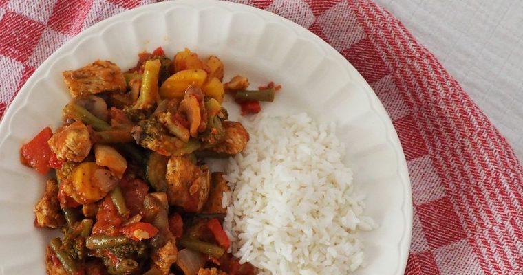 Makkelijke maaltijd met kip