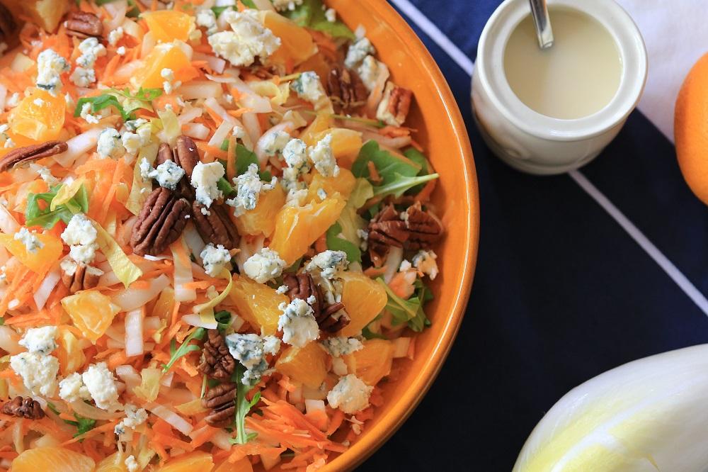 Witlofsalade met wortel en sinaasappel