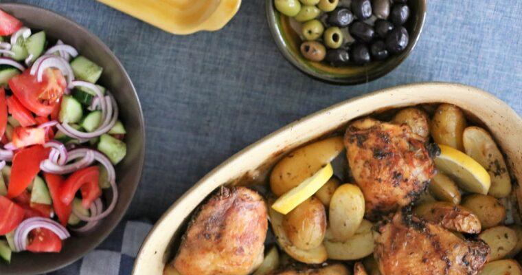 Kip met aardappels uit de oven